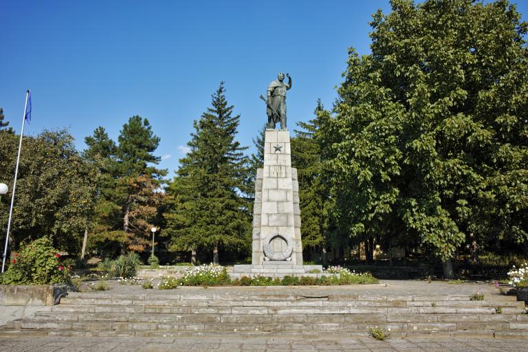 Паметник в село Крушуна
