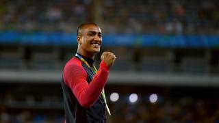 Американски атлет сложи край на кариерата си