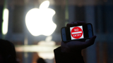 Apple ограничи продажбите на iPhone до два заради коронавируса