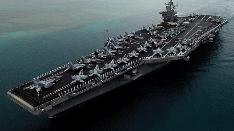 САЩ показват потенциала си за война на няколко фронта с учения в Южнокитайско море?