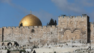 Запалителна бомба предизвика сблъсъци на Храмовия хълм в Йерусалим