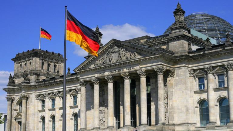 Германия гласува в исторически избори за Меркел и крайно десните