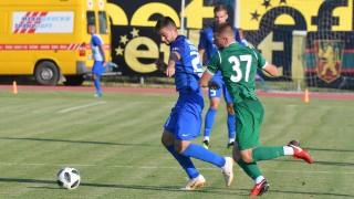 Славиша Стоянович тръгна с победа начело на Левски