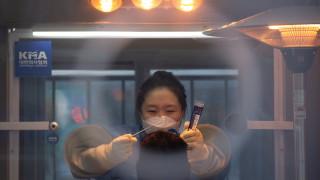Коронавирус: Починалите в Южна Корея надхвърлиха 1000 от началото на кризата