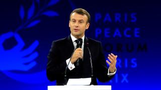 Франция обвини двама души за планиран атентат срещу Макрон