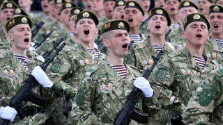 Армията на Беларус готова да брани военните паметници от опозицията