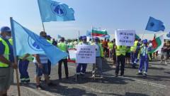 Пътни строители блокираха пътища в Шумен, Бургас и Русе