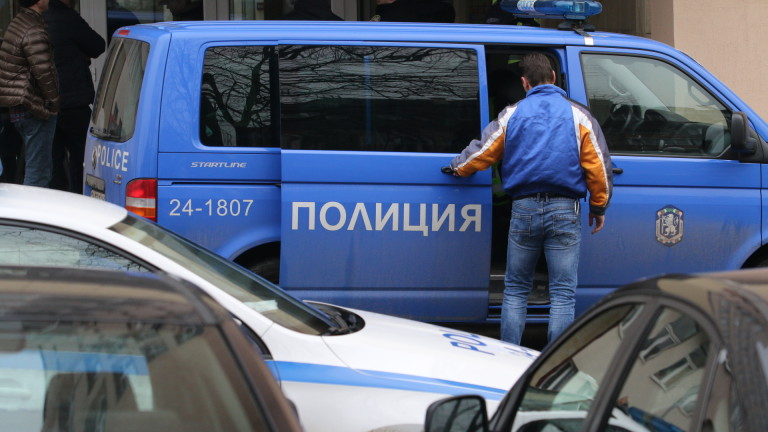 Емил Крумов, самоубилият се днес 59-годишен мъж в ДАНС, е