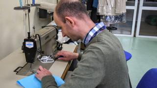 Маски се шият и в кооперациите на хората с увреждания