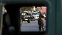 Ракетна атака срещу летището в Кабул скоро след кацането на военния министър на САЩ