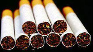Митнически служители задържани с цигари без бандерол