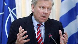 НАТО ще продължи да се разширява, предупреди Схефер