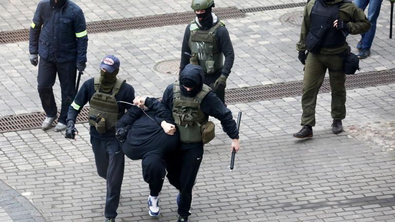 Отново задържани при неразрешени протести в Минск