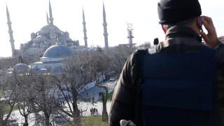 Арестуваха служител на щатското консулството в Истанбул за връзки с Гюлен