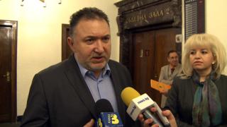 И лидерът на СДС подаде оставка
