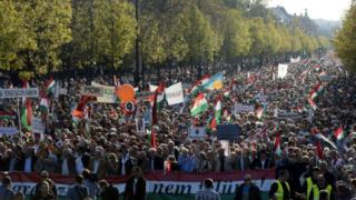 Десетки хиляди унгарци почетоха годишнината от бунта срещу комунизма