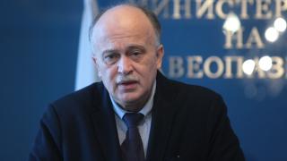 Няма да има лимити за прием в педиатричната болница, успокои Бойко Пенков