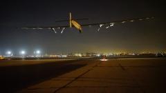 Соларен импулс 2 излетя от Кайро за Абу Даби