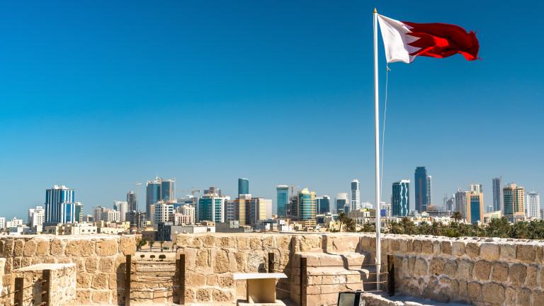 """Инакомислещи в Бахрейн клеймят споразумението с Израел като """"предателство"""""""