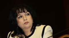 И енергийният министър Петкова е притеснена от скока на тока