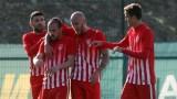 Напрежение преди сблъсъка между лидерите във Втора лига