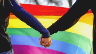 Обвиняват Виетнам, че учи младите - да бъдеш гей е заболяване