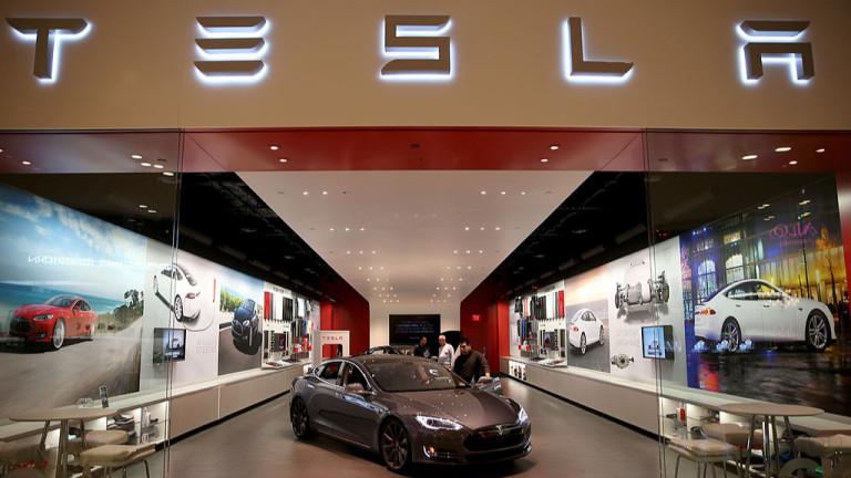 Колко коли Tesla се карат в България?