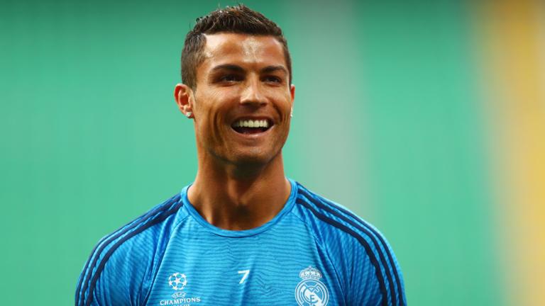 Роналдо върти бизнес за милиони