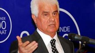 Кипърските турци избраха за президент противник на обединението