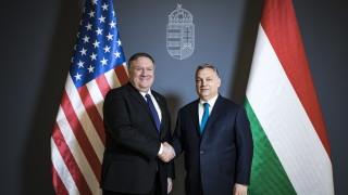 Унгария засилва военната си мощ, за да се защитава от всеки