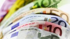 """Еврото на 1-годишно дъно, след като ЕЦБ """"пусна печатницата за пари"""""""