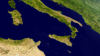Десетки земетресения след изригването на Етна