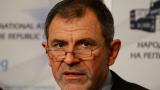 Депутат от ГЕРБ готов да иска оставката на министър Лукарски