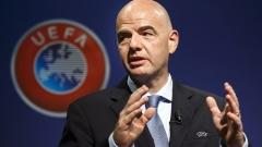 УЕФА ще вади Гърция от кризата