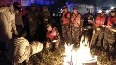 Пострадалите от земетресението в Китай вече са 343