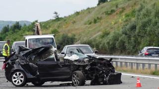 Петима души са в болница след катастрофа на пътя Бургас – Средец