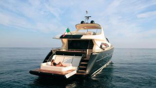 Яхтата Riva Duchessa 92 - дукесата позира с чар