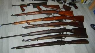 Арестуваха кърджалиец с цял боен арсенал, твърди, че е колекционер