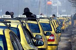 Депутатите бързат с гласуването на патентния данък на такситата