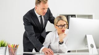 Кои са най-дразнещите субекти в офиса?