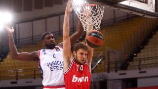 Александър Везенков игра 9 минути при загубата на Олимпиакос от ЦСКА (Москва)