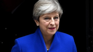 Кралицата разреши на Тереза Мей да сформира ново правителство