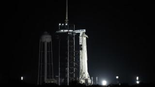 SpaceX с трети екипаж за по-малко от година и повторно изпозлвана ракета и капсула