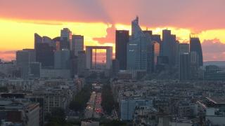 Дългът на Франция достигна рекордни нива