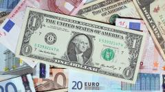 Доларът се покачва, еврото и паундът отстъпват позиции