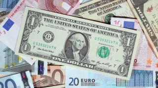 Доларът се стабилизира, расте търсенето на по-рискови активи