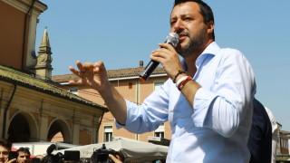 Италианският парламент разглежда дебатите и вота на недоверие