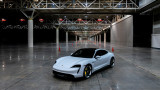Porsche, електрическият Taycan Turbo S и рекордът на Гинес за най-висока скорост на закрито