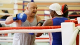 Министър Кралев се включи в последната тренировка на боксьорите преди олимпийската квалификация в Баку