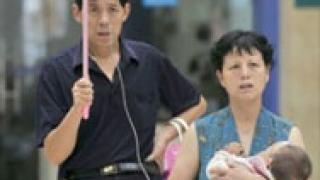 Трето бебе почина в Китай заради отровното мляко